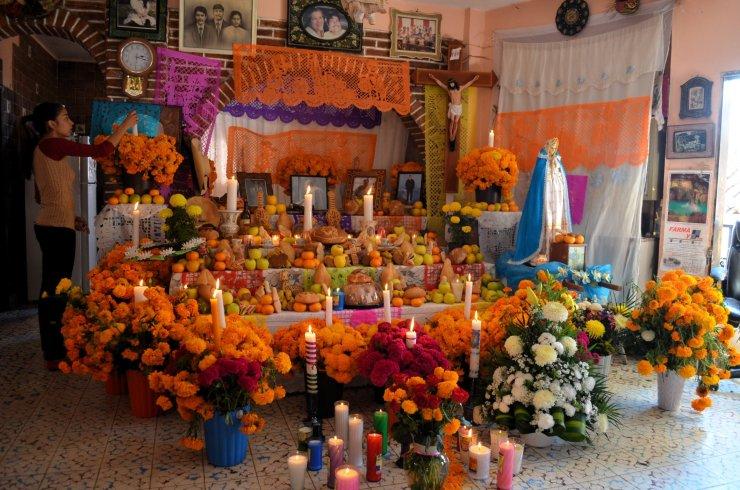 Photo: http://www.losangelespress.org/wp-content/uploads/DSC_0449.jpg