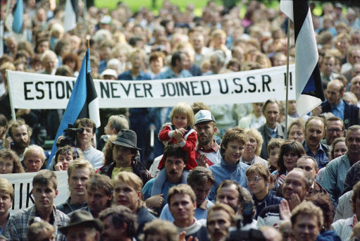 baltic-protest-against-ussr-1989